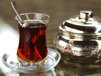 الشاي بعد الطعام