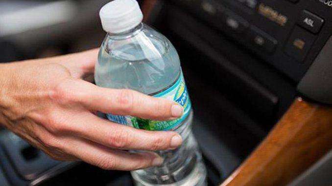 زجاجات الماء