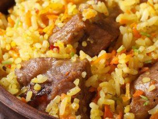 الأرز بالجزر واللحمة