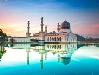 المساجد العائمة